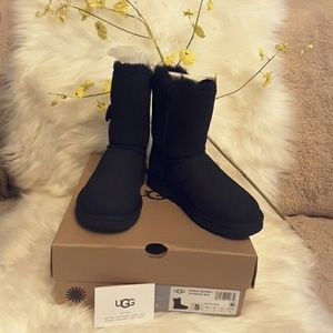 AUTHENTIC UGG GENUINE REAL LAMB FUR W/BAILEY BUTTO